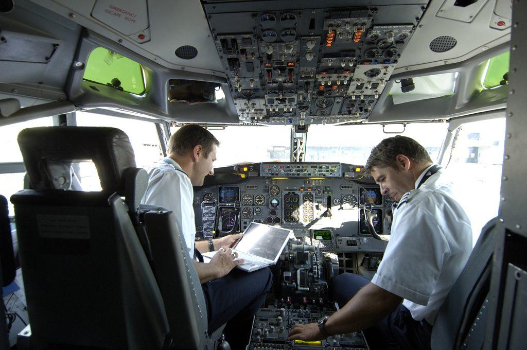 pilota risalente UK incontri online doppio standard