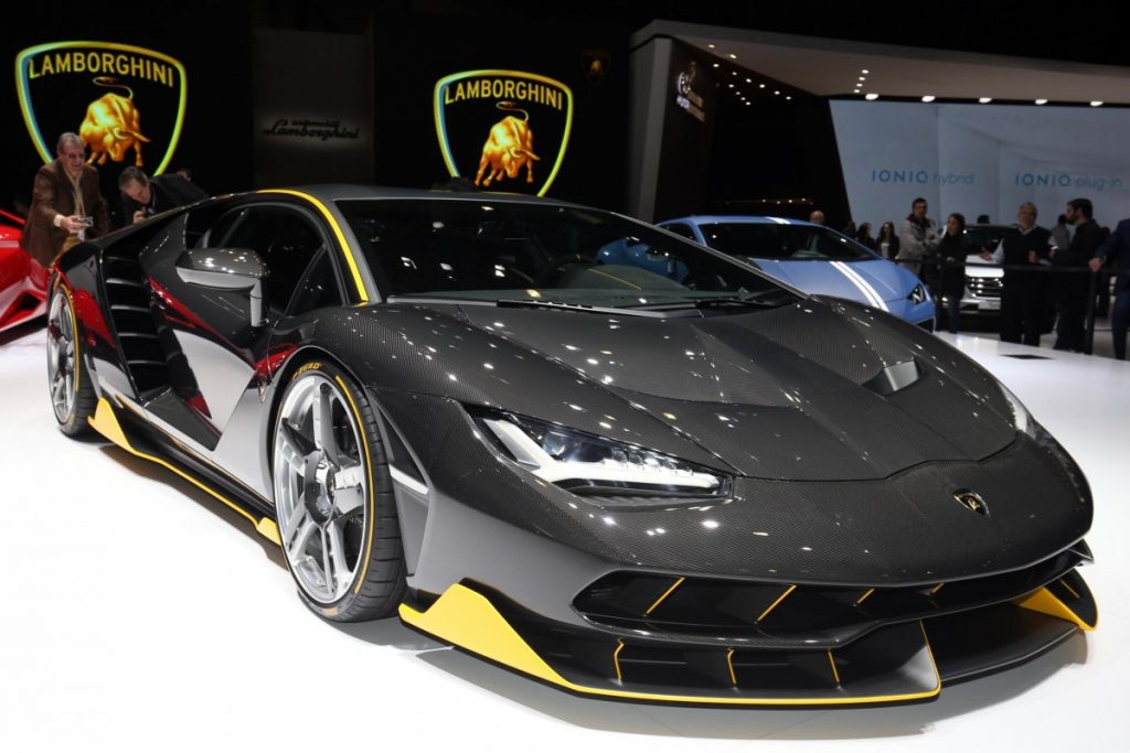 Viper Sports Car Price In India