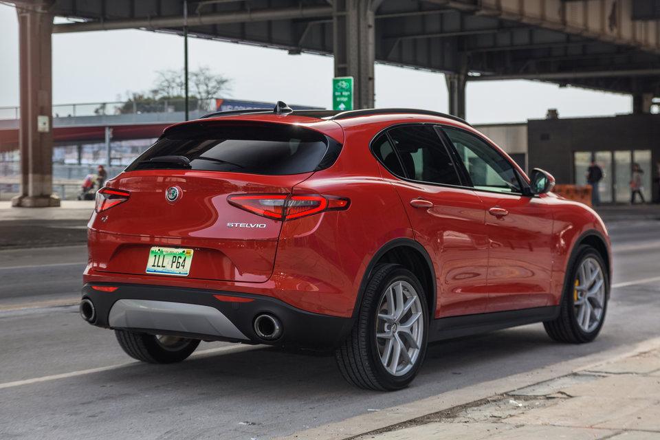 Prova Su Strada Dell Alfa Romeo Stelvio Il Nuovo Suv Da 43 Mila