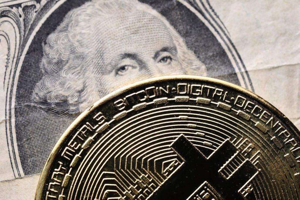 La Federal Reserve studia con il Mit una criptovaluta per l'helicopter money automatico in caso di crisi