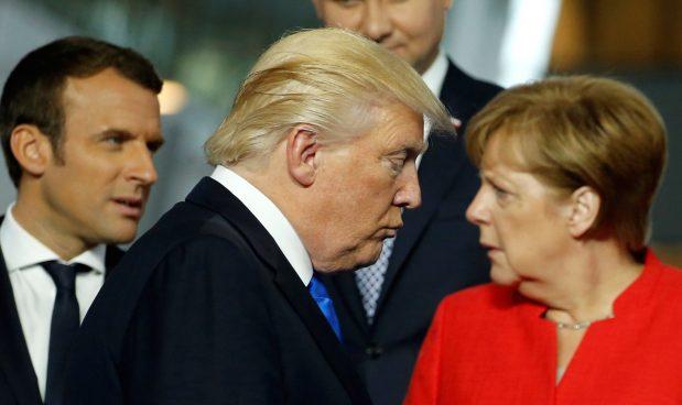 Trump: da mezzanotte via ai dazi con l'Ue
