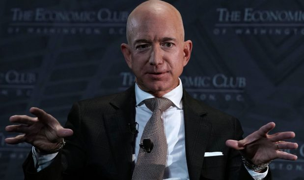 Bezos getta la spugna, niente campus a New York