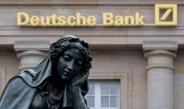Deutsche Bank: perquisizioni nel quartier generale, vendite sul titolo