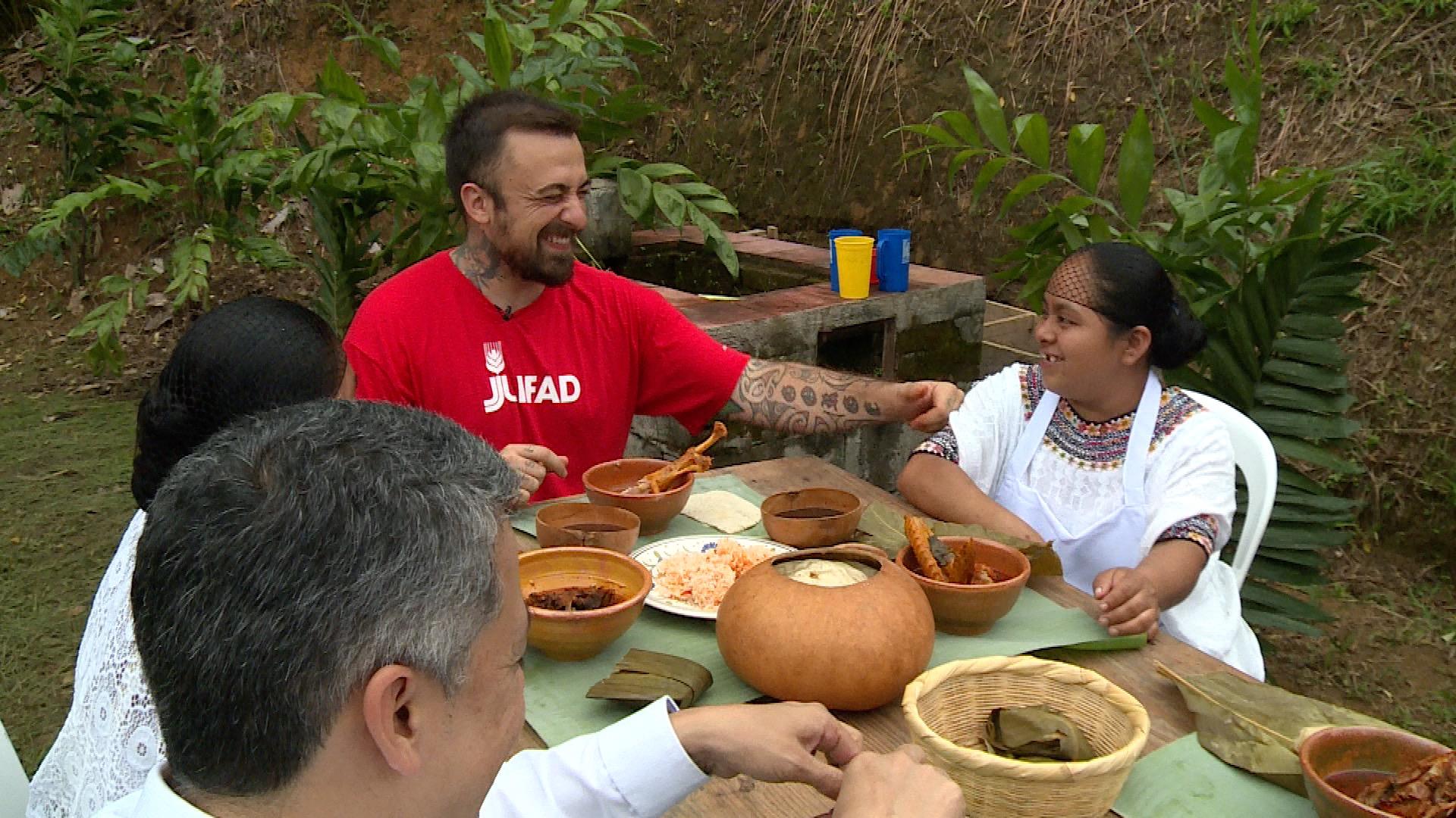 Chef Rubio in Guatemale, nell'ambito del progetto