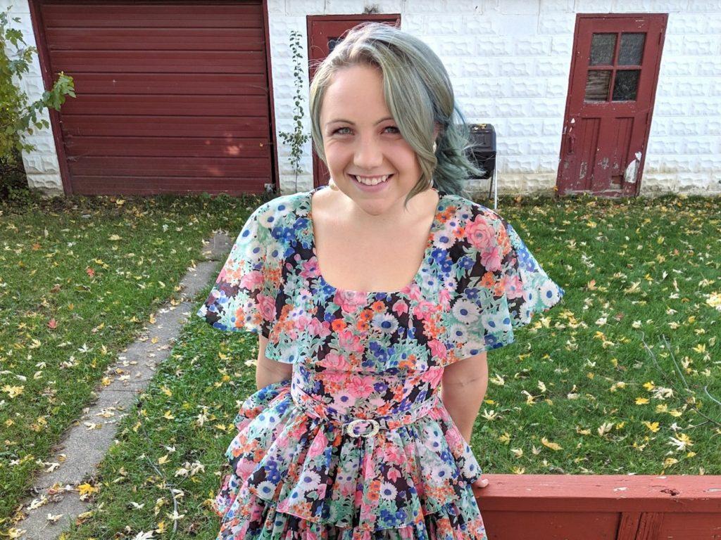 6bcb09b37e Eccomi con un vestito acquistato al mercatino delle pulci. Sara Lepley