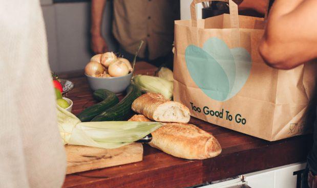 Lo spreco alimentare si combatte (anche) con lo smartphone: un'app riduce la Co2 e aiuta il portafogli