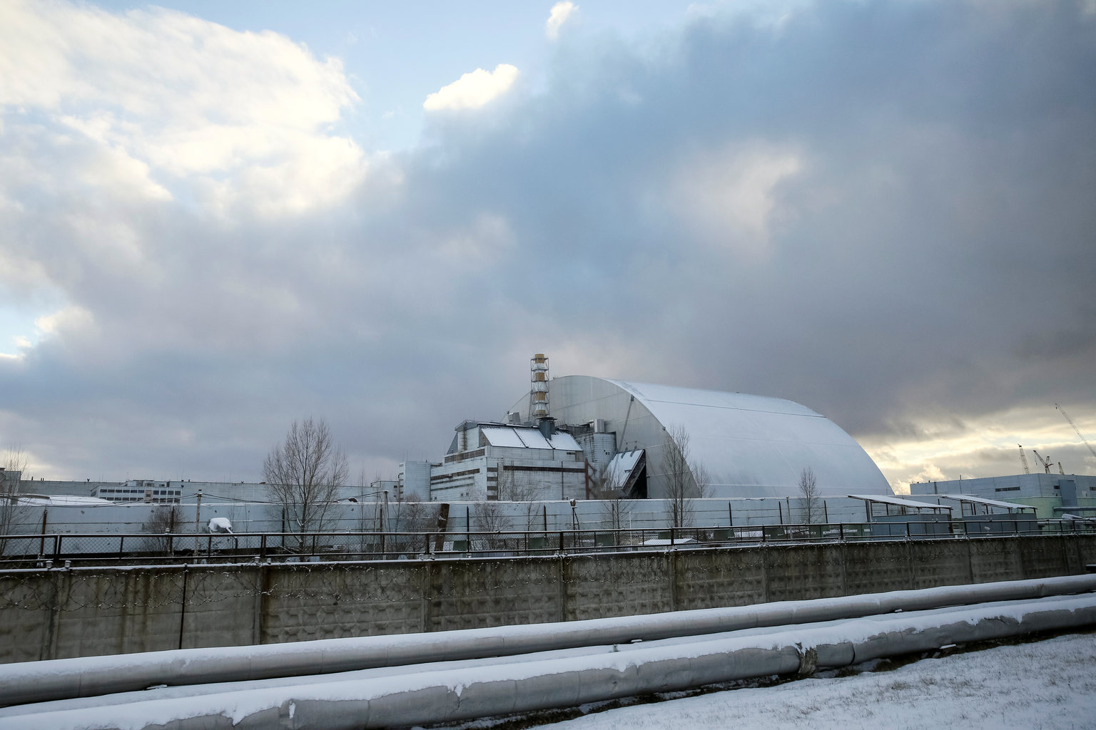 """Vecchio Materiale Da Copertura il """"sarcofago"""" di chernobyl, che ha contribuito a contenere"""