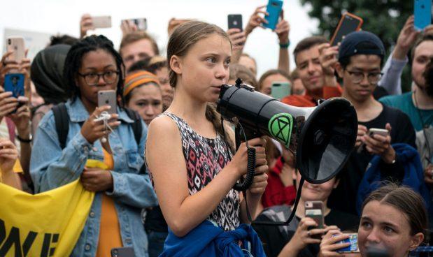 Oggi tutto il mondo protesta con Greta per l'ambiente, nel terzo climate strike