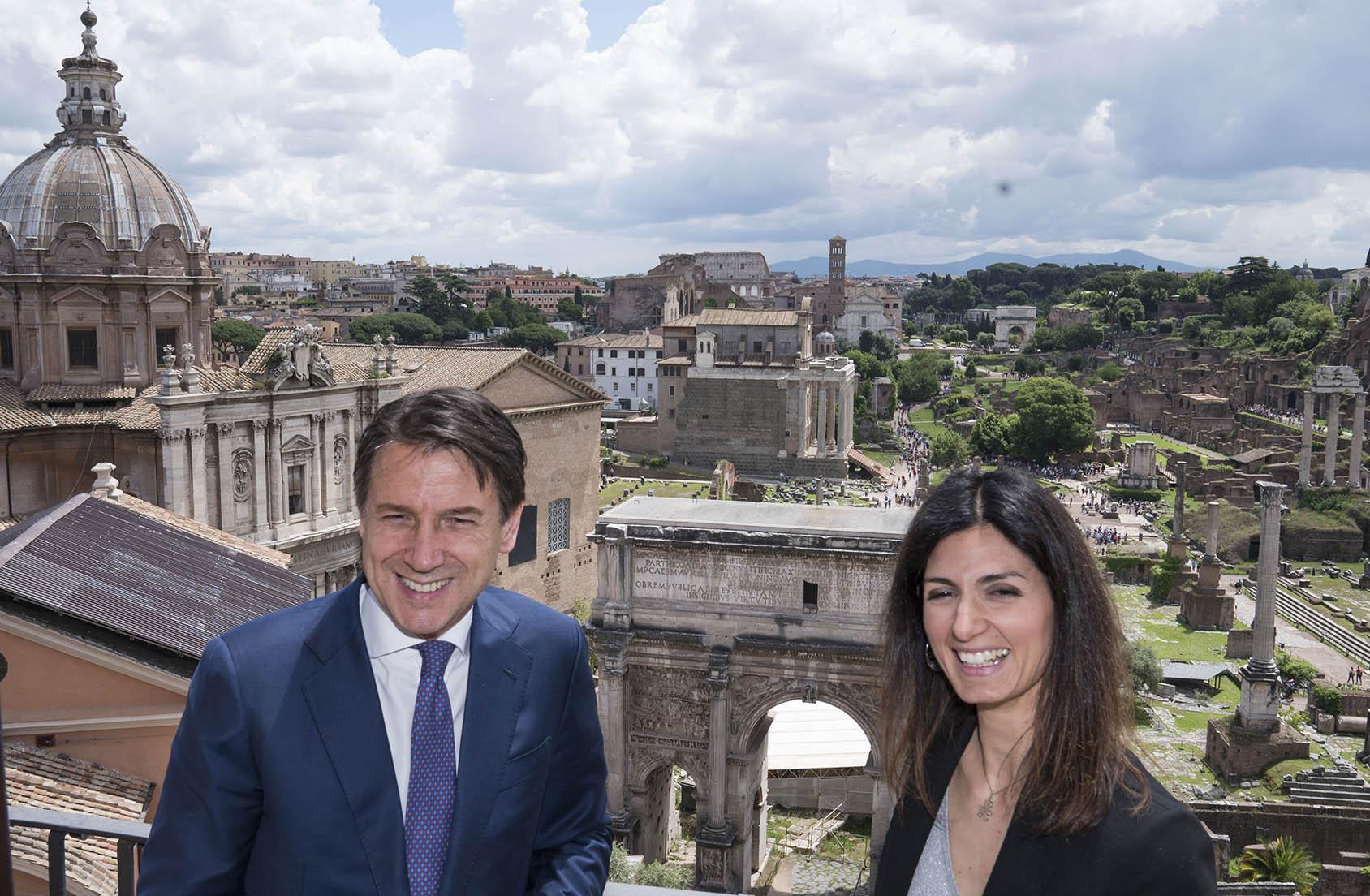 Raggi ci riprova con Conte per ottenere i soldi per Roma Capitale. Ma i  precedenti giocano a suo sfavore | Business Insider Italia