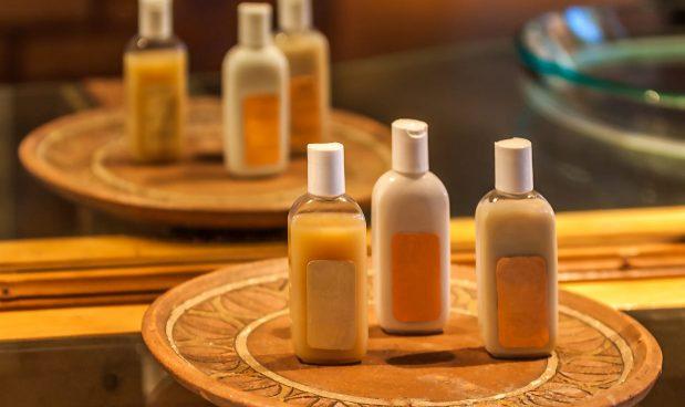 Addio ai flaconcini di shampoo degli alberghi: le grandi catene vogliono eliminarli per l'ambiente. E per gli affari
