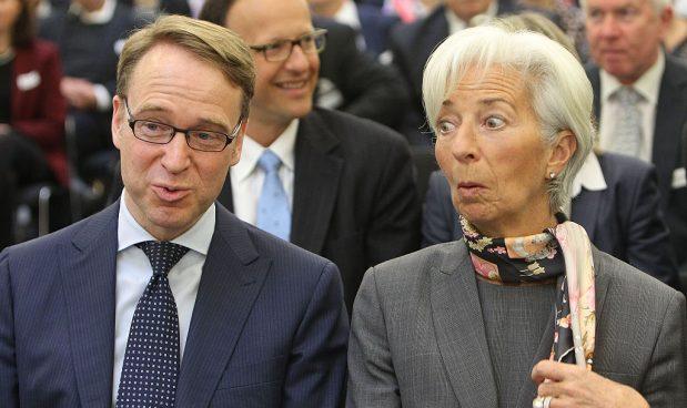 Nuovi tetti al Qe, 'helicopter money' e inflazione in picchiata: le carte di Lagarde per difendere l'euro dai falchi