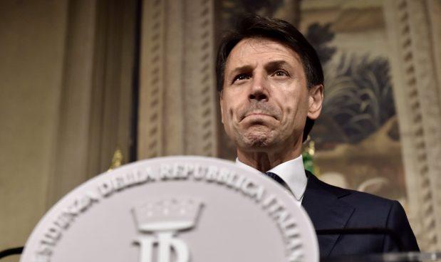 L'Italia è il terzo paese più indebitato tra le economie avanzate: un macigno da 62 mila dollari a testa. E gli investimenti sono in calo