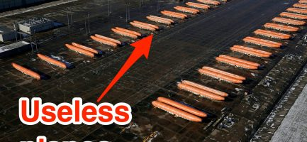 Quasi 100 fusoliere completate rimaste inutilizzate a Wichita, Kansas, nel parcheggio di Spirit AeroSystems. Reuters