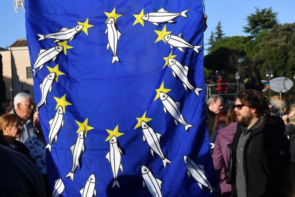 """""""In Italia le Sardine sono più simili a degli squali e vinceranno"""". Parola di George Soros"""