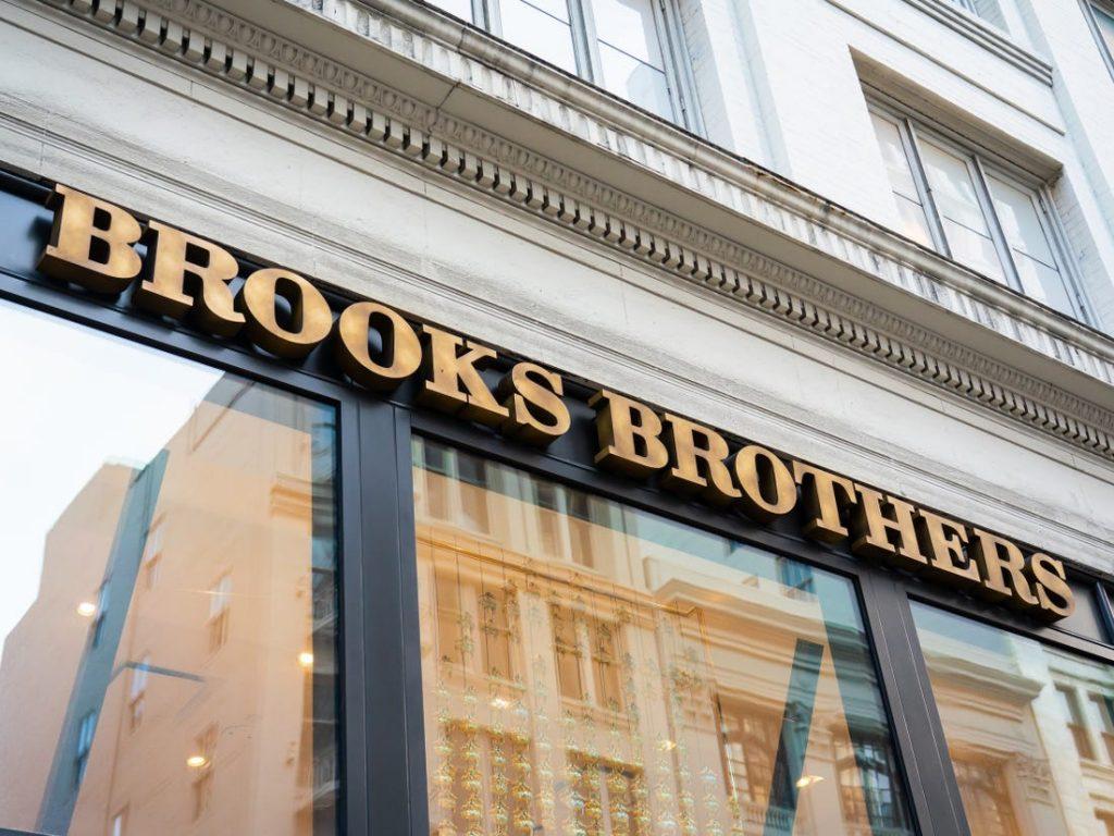Brooks Brothers torna americana, Del Vecchio vende alla holding di Aeropostale e Juicy Couture per 325 milioni di dollari