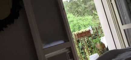 Il balcone da cui è entrato (e uscito) il ladro. Daniel Agami