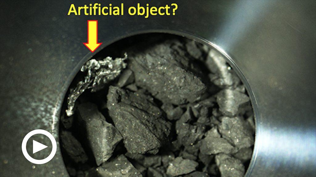 """Mistero nei frammenti di asteroide raccolti dalla sonda giapponese: """"C'è del materiale artificiale"""""""