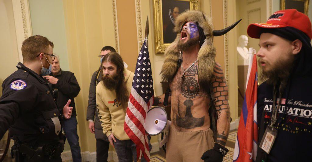 Attacco al congresso americano - Le immagini - cover