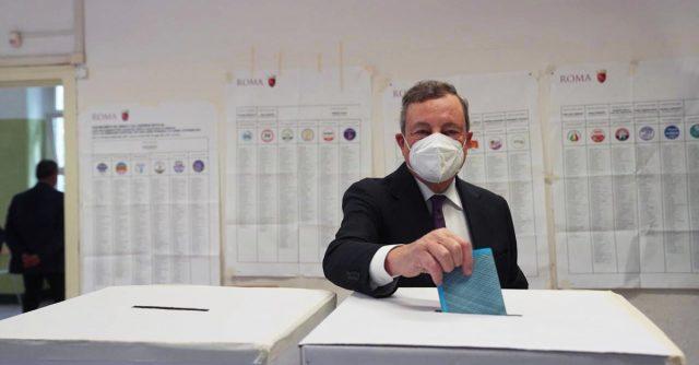 Mario Draghi vota a Roma