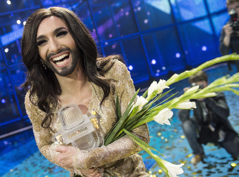 Eurovision: il trionfo di Conchita, drag queen con la barba