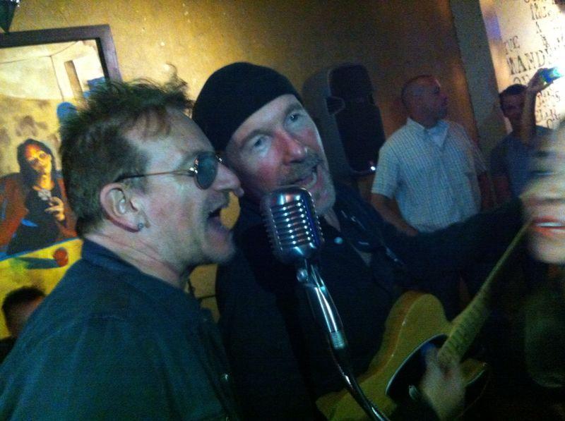 Messico. U2, live a sorpresa in un'osteria