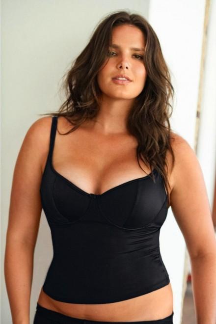 Calendario Donne Formose.Candice Huffine 90 Chili Di Bellezza La Prima Modella