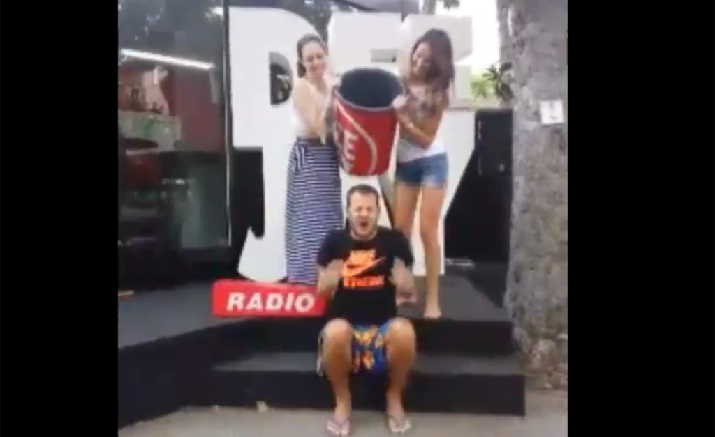 Alessandro Cattelan, doccia gelata in diretta