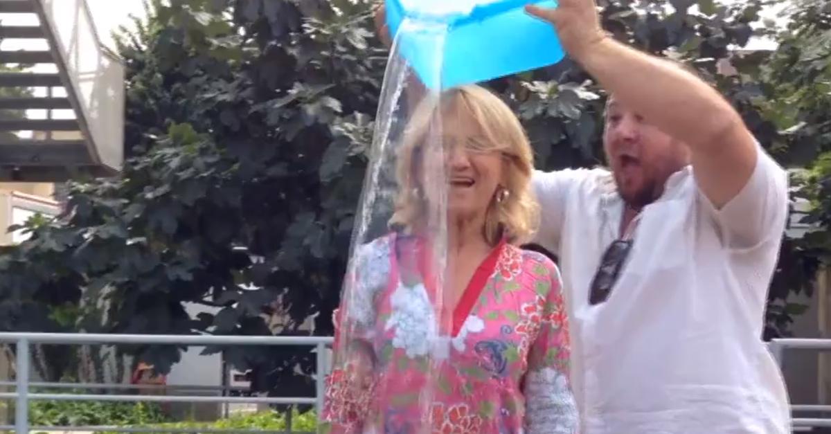 #IceBucketChallenge, la secchiata di Luciana Littizzetto