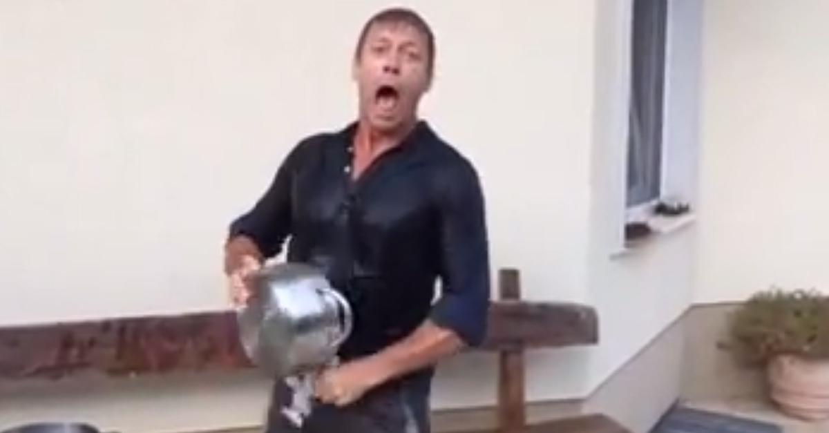 """#IceBucketChallenge per Rocco Siffredi (& il suo """"totem""""): quando la doccia ghiacciata è hot"""