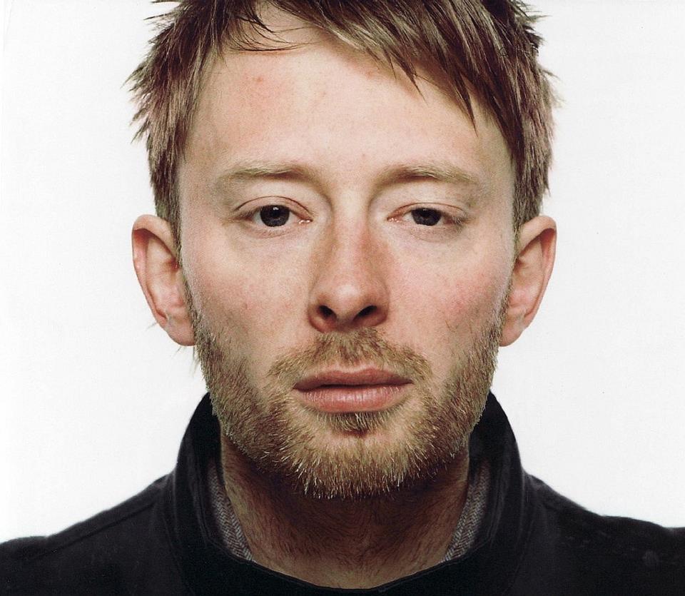 Thom Yorke scatenato su Twitter: i fan dei Radiohead scalpitano in attesa del nuovo disco