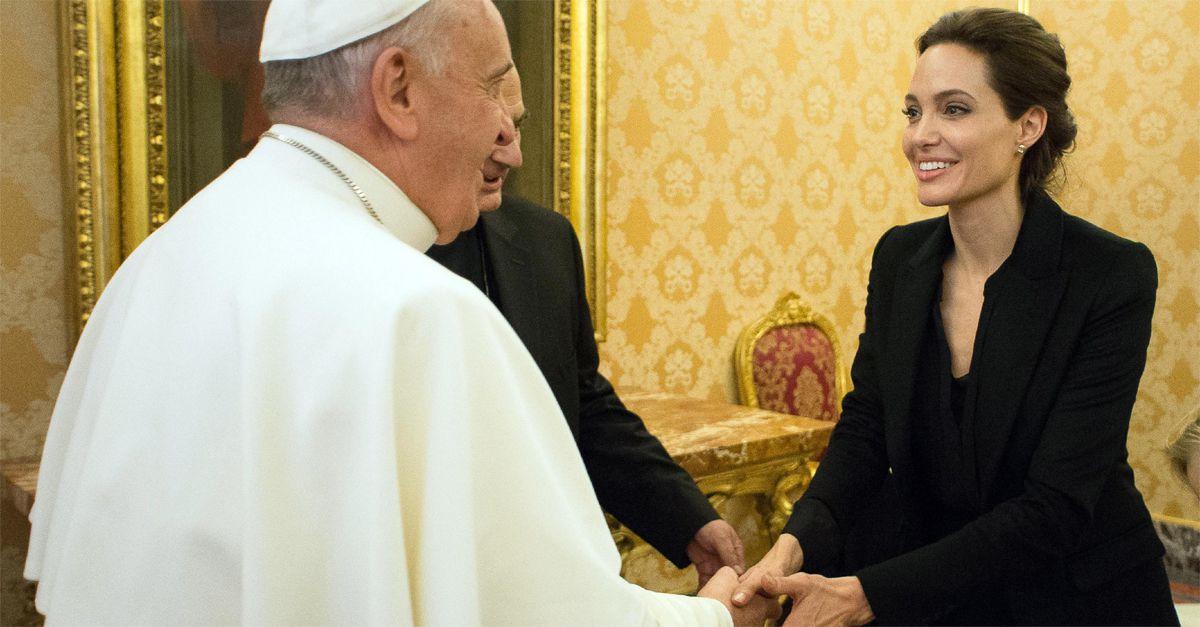 Angelina Jolie incontra Papa Francesco. Proiettato in Vaticano il suo film