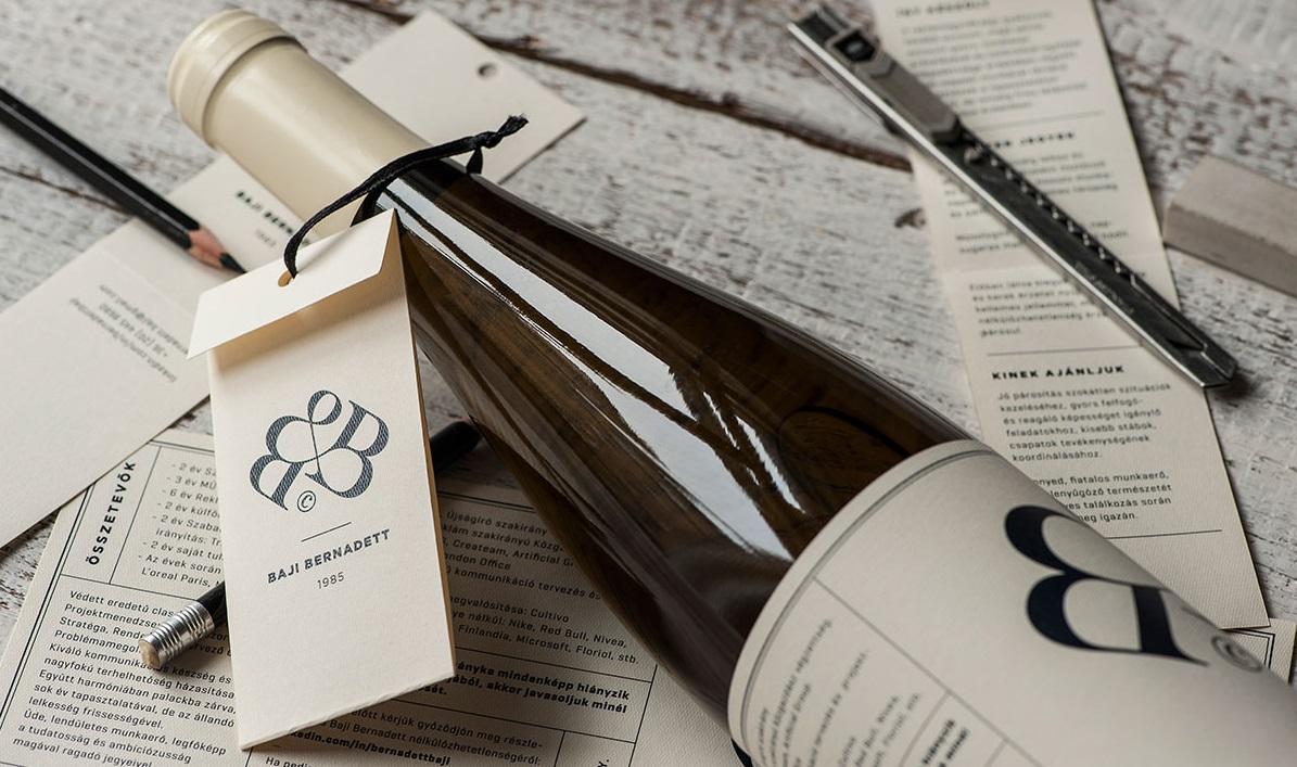 L'originalità paga: scrive il curriculum sulla bottiglia e ottiene il posto
