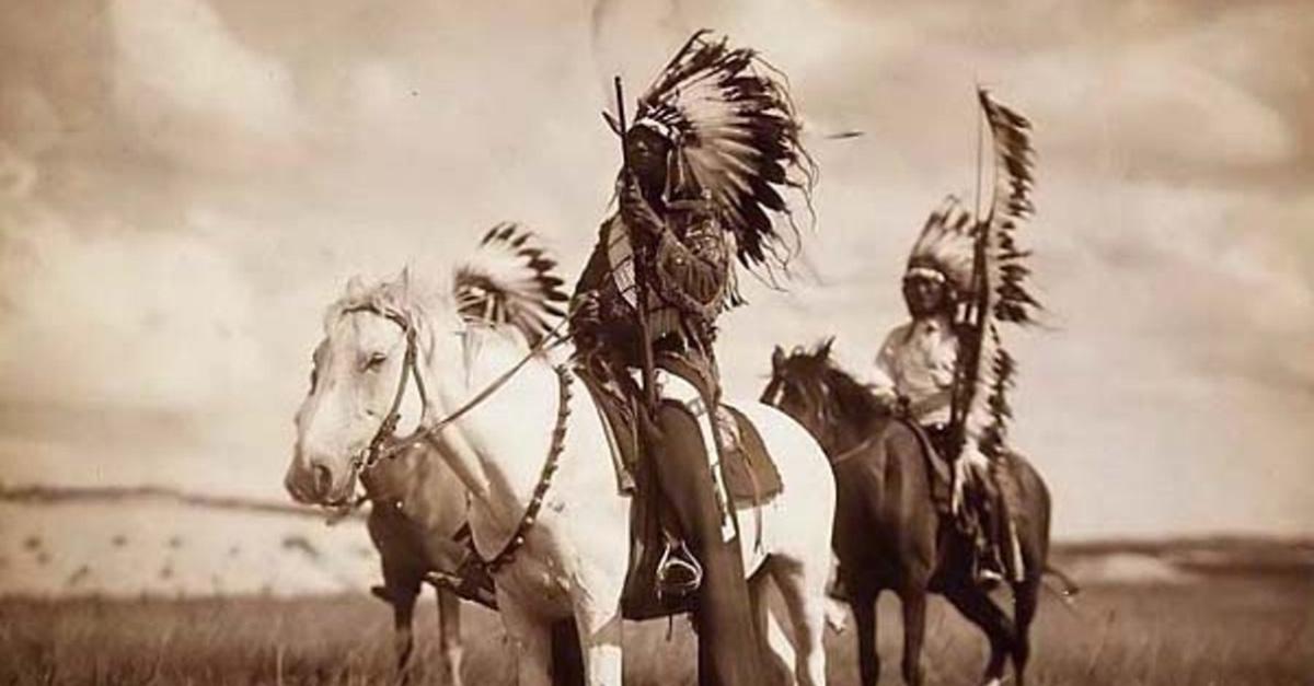 """""""La terra non appartiene all'uomo, è l'uomo che appartiene alla terra"""", con Aldo Rock nel cuore degli indiani d'America"""