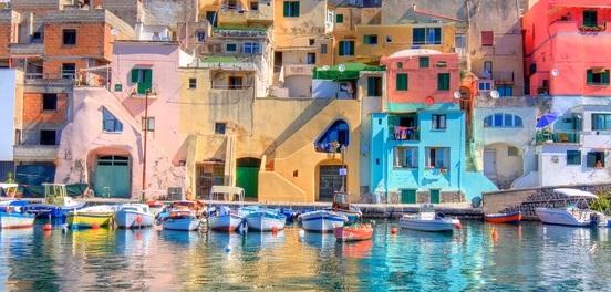 Passione viaggi: ecco i 10 posti più colorati del mondo