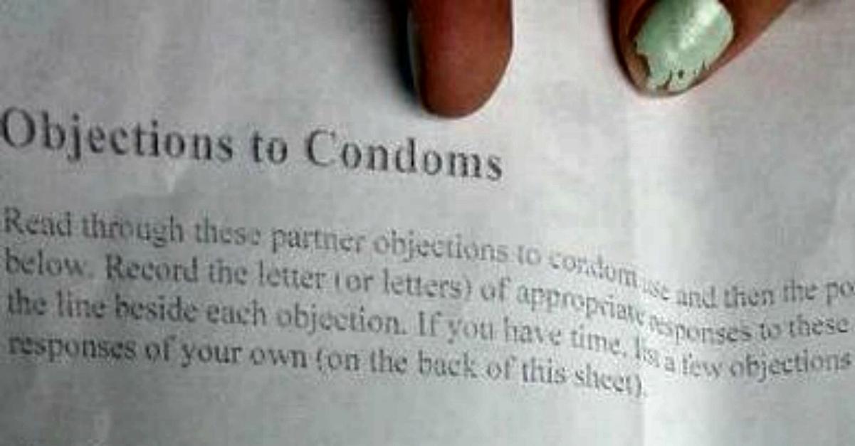 """""""Non vuoi il preservativo? Vaffan**lo"""". Ragazzina sospesa per le risposte troppo schiette"""