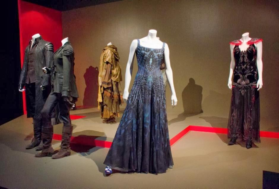 Vestito Da Sposa Katniss Everdeen.Hunger Games Jennifer Lawrence Inaugura La Mostra Dedicata Alla