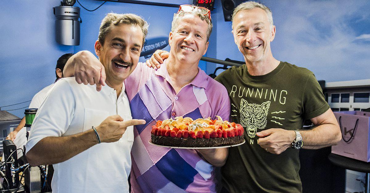 Ernst Knam. Dolci in estate, ecco la ricetta: Yogurt, frutta fresca, scaglie di cioccolato e un po' di pepe