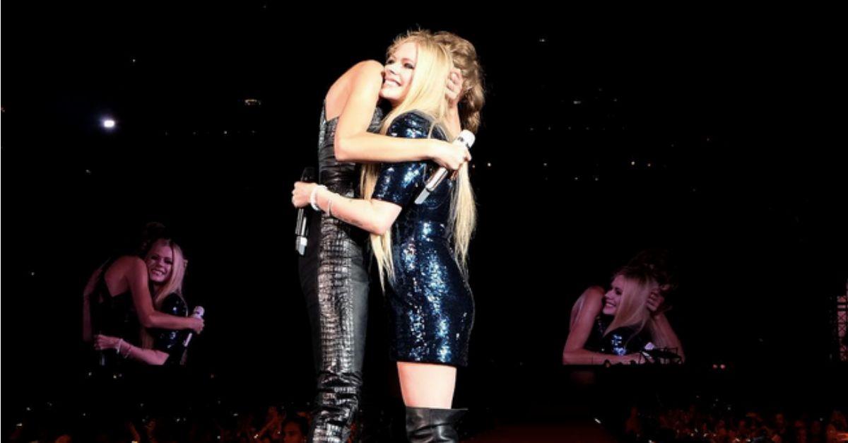 """Dopo le polemiche, Avril Lavigne e Taylor Swift fanno pace sulle note di """"Complicated"""" (VIDEO)"""