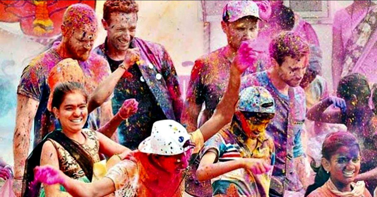 """Coldplay in India per il nuovo video: tutti vogliono un selfie """"a colori"""""""
