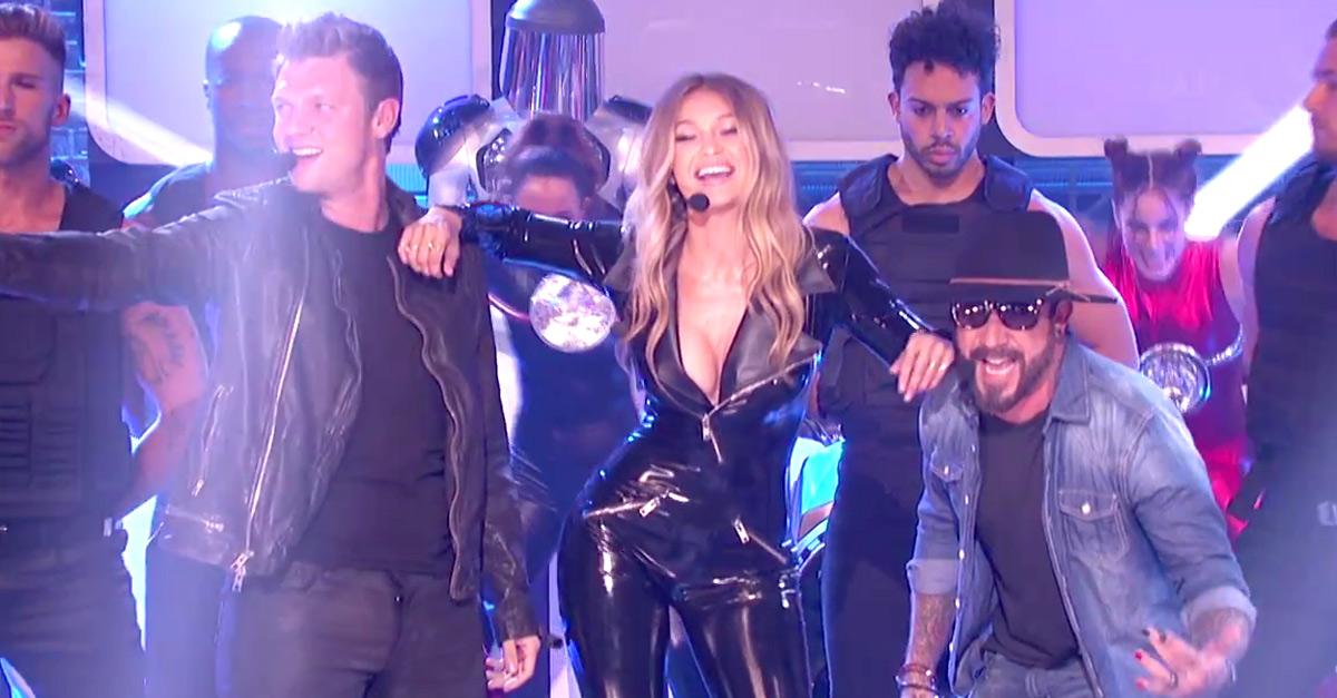 La modella Gigi Hadid chiama i Backstreet Boys per una gara di playback