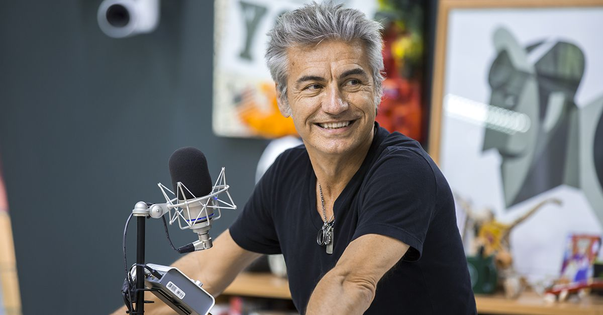Luciano Ligabue a DJCI:  il libro di racconti 'Scusate Il Disordine' e il nuovo album
