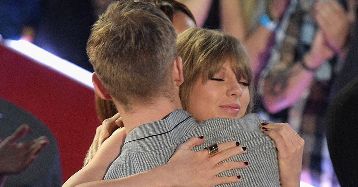 Calvin Harris ha lasciato Taylor Swift: finita la storia d'amore dopo 15 mesi