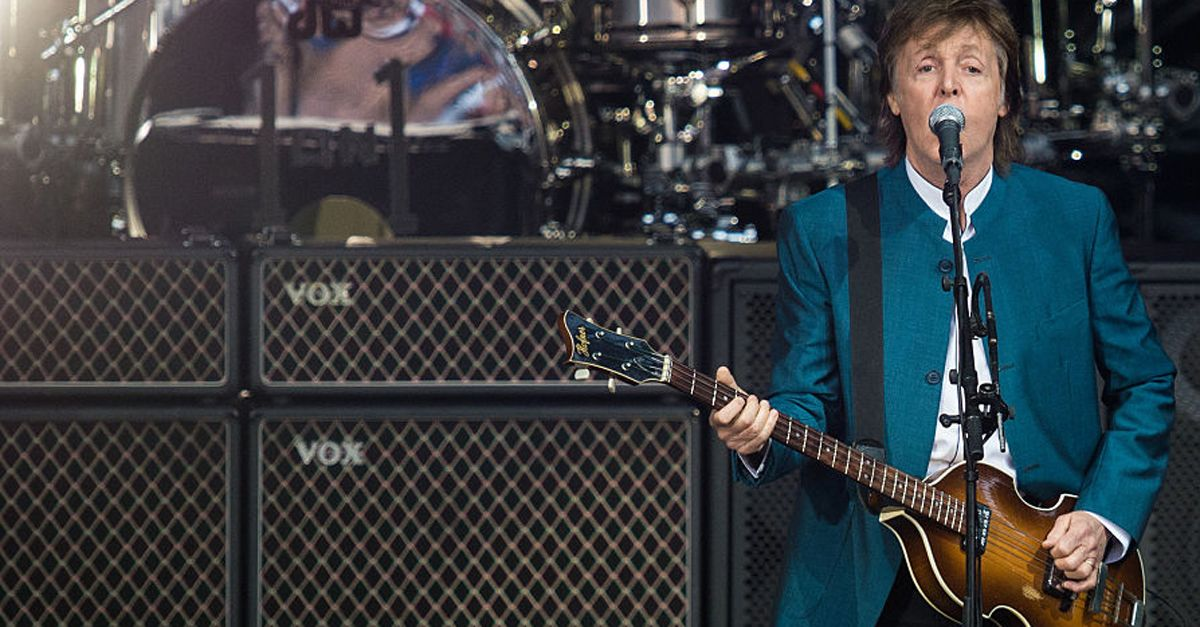 Accoglienza amara per Paul McCartney in visita ad Amalfi