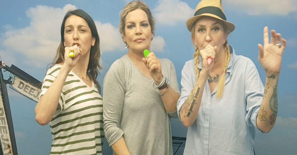La Pina, La Vale e Scianel di #Gomorra2: karaoke con sex toys su Jennifer Lopez
