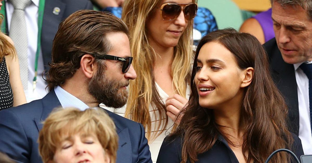 Irina Shayk piange a Wimbledon: cosa le avrà detto Bradley Cooper?