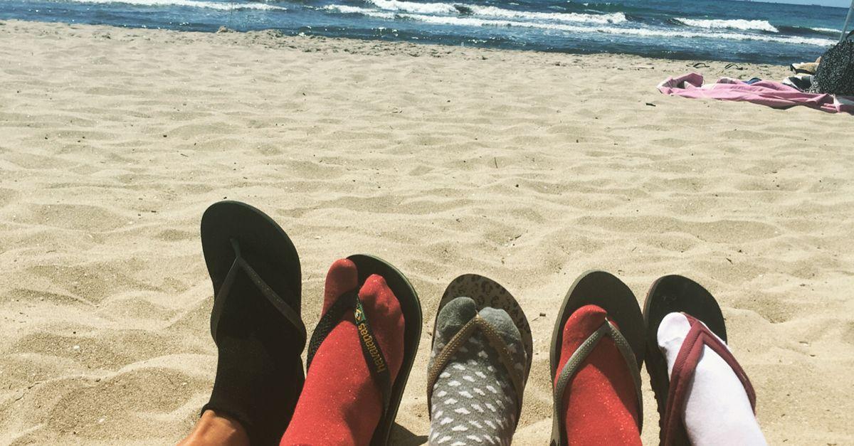 Le 'calze con le ciabatte' sono la tendenza dell'estate. Le foto degli ascoltatori di Pinocchio