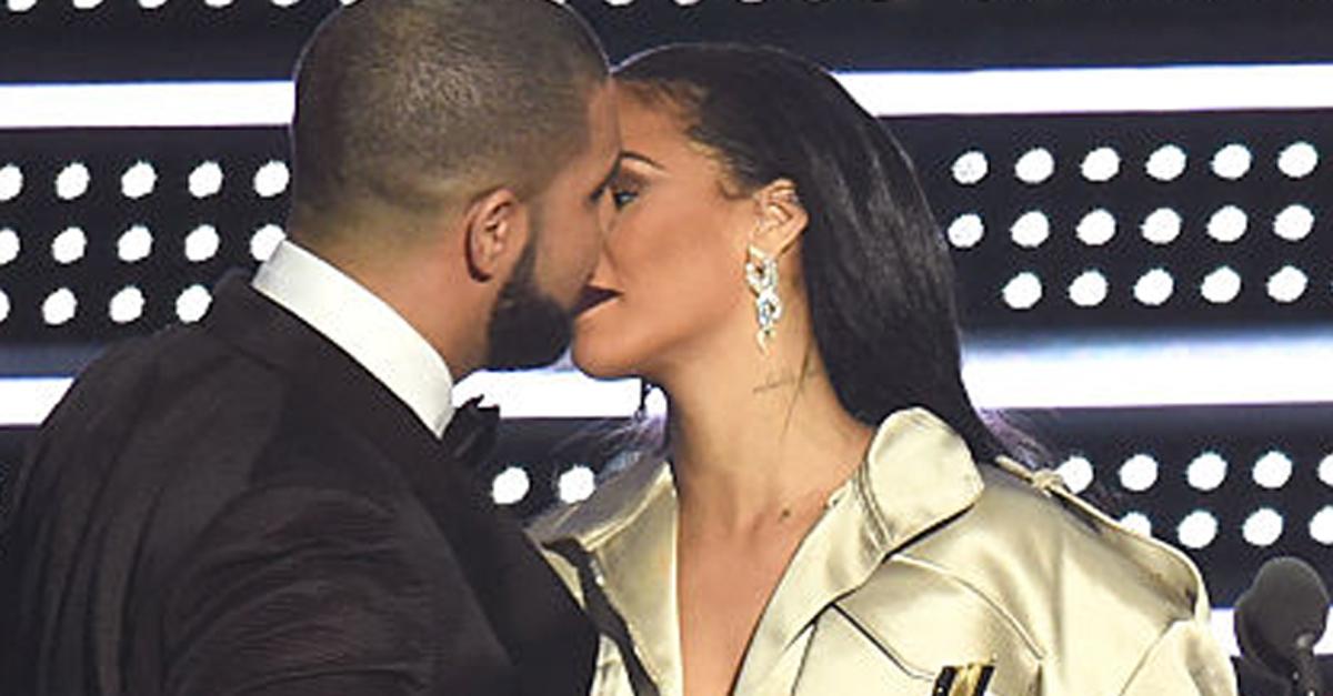 Drake dichiara pubblicamente il suo amore per Rihanna agli MTV Video Music Awards