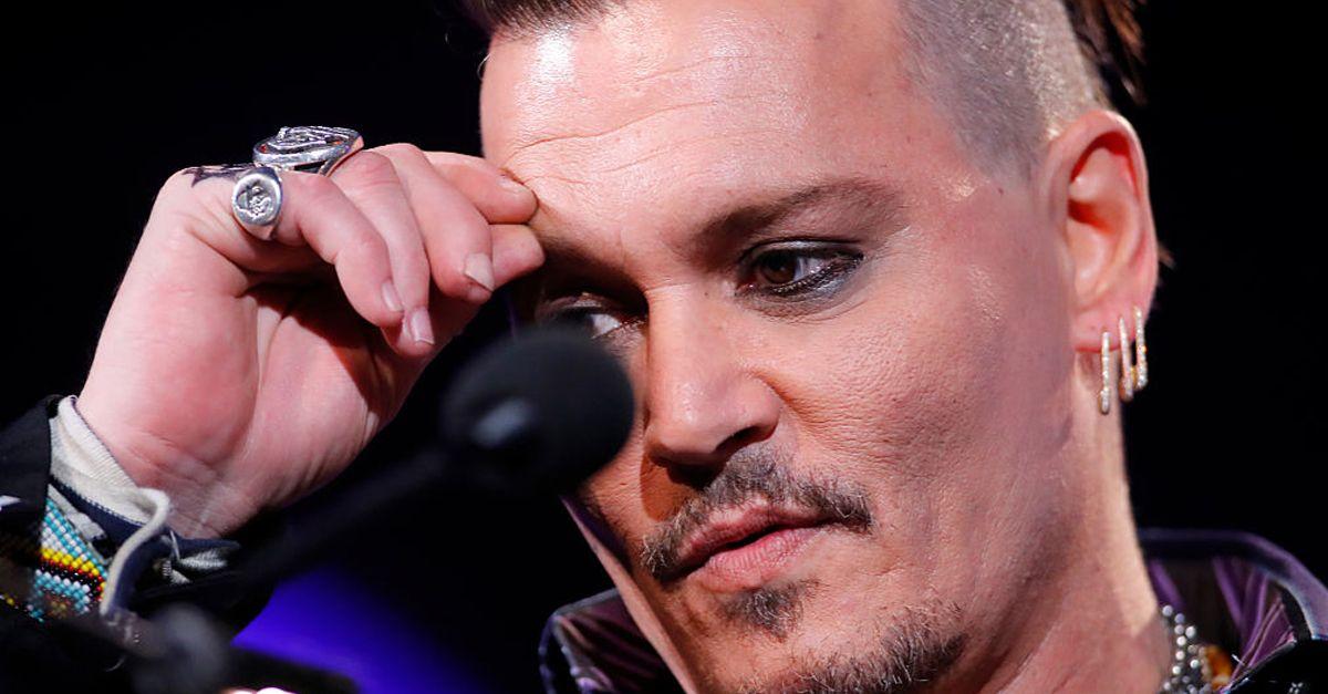 Johnny Depp, dito tagliato e scritta col sangue sullo specchio: le nuove accuse di Amber Heard