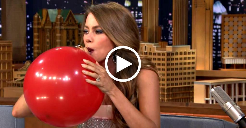 Sofia Vergara inspira elio da un palloncino in TV: sentite come cambia la sua voce