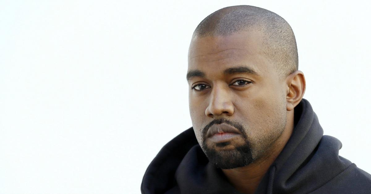 Fischi, accuse, manette e poi il ricovero: cosa sta succedendo a Kanye West?